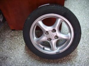 mazda mx5 04 195 50 15 300x225 Mazda MX 5 1999 2005 ζαντολάστιχο