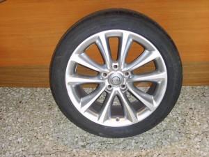 opel insignia 0.13 235 45 16 300x225 Opel Insignia 2008 2013 ζαντολάστιχο