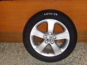 seat leon 0.10 205 55 16 300x225 Seat Leon 2005 2012 ζαντολάστιχο