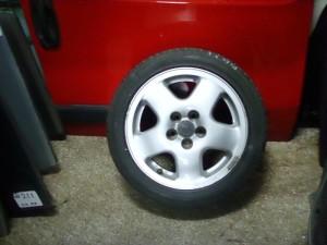 vw polo 04 195 50 15 300x225 VW polo 2002 2005 ζαντολάστιχο