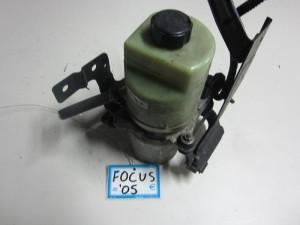 Ford focus 04 08 doxeio udravlikou timoniou 300x225 Ford Focus 2004 2008 δοχείο υδραυλικού τιμονιού