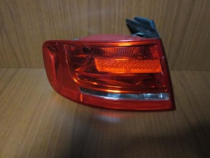 audi a4 08 12 sedan piso fanari aristero 300x225 Audi A4 2008 2012 sedan πίσω φανάρι αριστερό