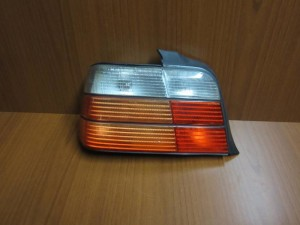 bmw e36 90 98 sedan piso fanari aristero 300x225 BMW Series 3 E36 1992 1998 sedan πίσω φανάρι αριστερό