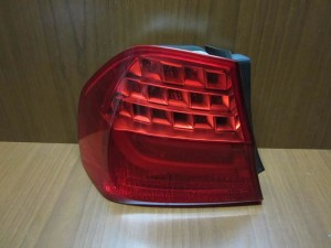 bmw e90 08 12 sedan piso fanari led aristero 300x225 BMW Series 3 E90 2008 2012 sedan πίσω φανάρι led αριστερό