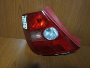 honda civic 01 04 3thiro piso fanari aristero 300x225 Honda civic 2001 2004 3θυρο πίσω φανάρι αριστερό