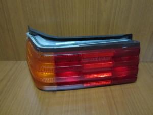 mercedes sl w129 89 03 piso fanari aristero 300x225 Mercedes SL r129 1989 2002 πίσω φανάρι αριστερό