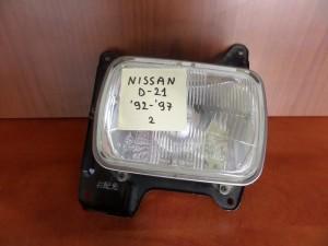 nissan d21 92 97 fanari empros aristero 300x225 Nissan D21 1992 1997 φανάρι εμπρός αριστερό