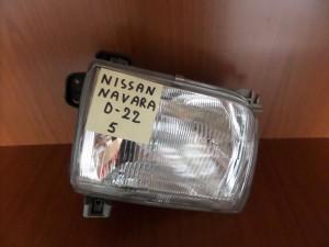 nissan navara d22 98 01 fanari empros dexi 300x225 Nissan Navara D22 1997 2001 φανάρι εμπρός δεξί