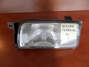 Nissan terrano 90 φανάρι εμπρός αριστερό