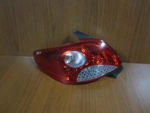 peugeot 206 plus 09 piso fanari aristero 300x225 Peugeot 206 plus 2009 2012 πίσω φανάρι αριστερό