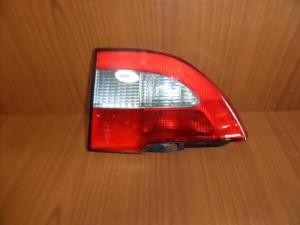 renault megane 99 02 piso fanari esoteriko dexi 300x225 Renault Megane 1999 2002 πίσω φανάρι εσωτερικό δεξί