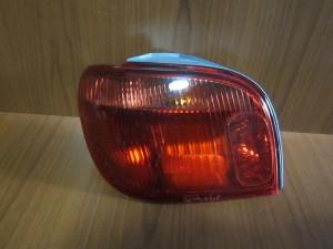 Toyota Yaris 2004-2006 πίσω φανάρι με ντουί αριστερό