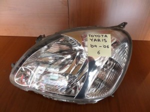 toyota yaris dakri 04 06 fanari empros aristero 300x225 Toyota Yaris (δάκρυ) 2004 2006 φανάρι εμπρός αριστερό