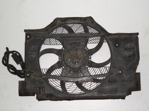 bmw series 3 e46 99 02 ventilater 300x225 BMW series 3 E46 1999 2005,Compact 2000 2004 βεντιλατέρ