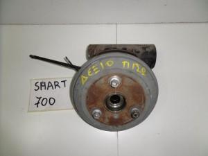 smart 700 450 02 07 piso akra dexia 300x225 Smart 700 450 2002 2007 πίσω άκρα δεξιά