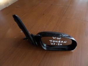 vw touran 03 10 ilektrikos kathreptis dexios mavros1 300x225 VW touran 2007 2010 ηλεκτρικός καθρέπτης δεξιός μαύρος