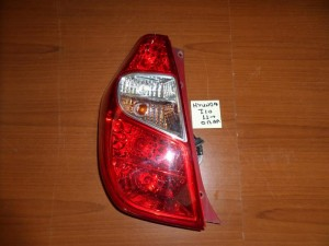 hyundai i10 10 13 piso fanari aristero 300x225 Hyundai i10 2011 2014 πίσω φανάρι αριστερό