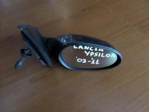 lancia y 03 11 michanikos kathreptis dexios gkri 300x225 Lancia Y 2003 2010 μηχανικός καθρέπτης δεξιός γκρί