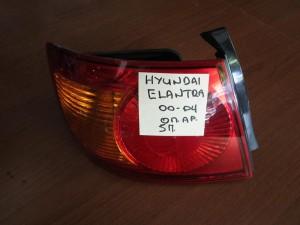hyundai elandra 5thiro 00 04 piso fanari aristero 300x225 Hyundai Elandra 5θυρο 2000 2004 πίσω φανάρι αριστερό