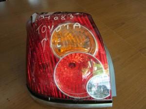 toyota avensis 05 08 5porto piso fanari aristero 300x225 Toyota avensis 2006 2009 5πορτο πίσω φανάρι αριστερό