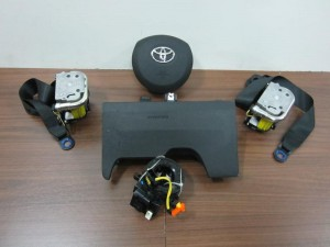 toyota yaris 2012 airbag set 300x225 Toyota Yaris 2011 2014 airbag σέτ