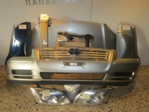 Toyota avensis 2003-2006 μετώπη-μούρη εμπρός κομπλέ ασημί