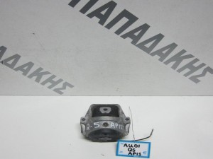 Audi Q5 2008-2013 αριστερή βάση μηχανής