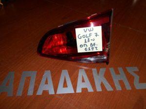 vw golf 7 2013 fanos opisthios portas opisthios dexios esoterikos 300x225 VW Golf 7 2013 2017 φανός οπίσθιος (πόρτας) δεξιός εσωτερικός