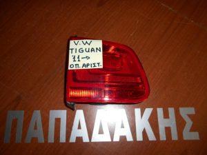 vw tiguan 2011 fanos opisthios portas opisthio aristero esoteriko 300x225 VW Tiguan 2011 2016 φανός οπίσθιος (πόρτας) οπίσθιος αριστερός εσωτερικός