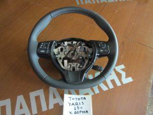 toyota yaris 2017 volan timoniou mavro derma chiristiria 300x225 Toyota Yaris 2017 > βολάν τιμονιού μαύρο δέρμα χειριστήρια