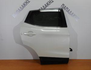 nissan qashqai 2013 2017 porta piso dexia aspri perla 300x234 Nissan Qashqai 2013 2017 πόρτα πίσω δεξιά άσπρη πέρλα