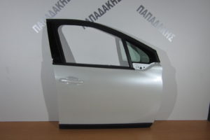 peugeot 2008 2014 2018 porta empros dexia aspri 300x200 Peugeot 2008 2014 2018 πόρτα εμπρός δεξιά άσπρη