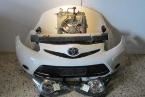 toyota aygo 2012 2014 moyri aspri kapo 2 ftera 2 fanaria profylaktiras me led psygeio neroy psygeio a c ventilater traversa profylaktira 300x200 Toyota Aygo 2012 2014 μετώπη μούρη άσπρη: καπό  2 φτερά  2 φανάρια  προφυλακτήρας με LED  ψυγείο νερού  ψυγείο A/C  βεντιλατέρ  τραβέρσα προφυλακτήρα