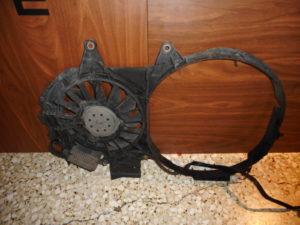 audi a4 2001 2005 ventilater psygeioy neroy mono 300x225 Audi A4 2001 2005 βεντιλατέρ ψυγείου νερού (μονό)