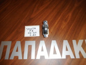 hyundai santa fe 2000 2006 diakoptis ilektrikon parathyron empros dexios 300x225 Hyundai Santa Fe 2000 2006 διακόπτης ηλεκτρικών παραθύρων εμπρός δεξιός