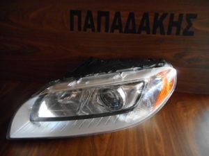 volvo xc70 2007 2013 fanari empros xenon aristero 300x225 Volvo XC70 2007 2013 φανάρι εμπρός αριστερό XENON