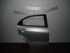 kia rio 2012 2017 5thyro porta piso dexia asimi 300x225 Kia Rio 2012 2017 5θυρο πόρτα πίσω δεξιά ασημί