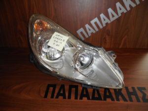 opel corsa d 2006 2011 empros dexio fanari fonto chromio 300x225 Opel Corsa D 2006 2011 εμπρός δεξιό φανάρι φόντο χρώμιο