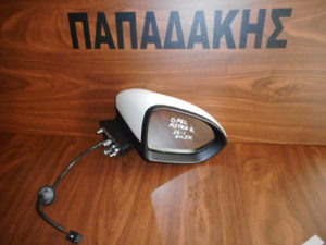 opel astra k 2016 2018 dexios ilektrikos kathreptis aspros 5 kalodia 300x225 Opel Astra K 2016 2018 δεξιός ηλεκτρικός καθρέπτης άσπρος 5 καλώδια
