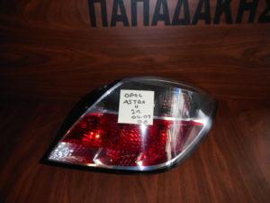 opel astra h 3thyro 2004 2009 piso fanari dexio 300x225 Opel Astra H 3θυρο 2004 2009 φανάρι πίσω δεξιό