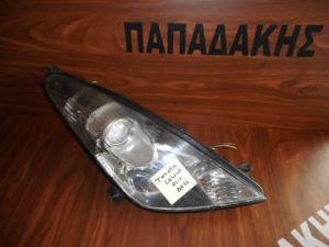 toyota celica 2000 2006 fanari empros dexio 300x225 Toyota Celica 2000 2006 φανάρι εμπρός δεξιό