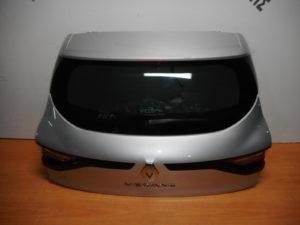 renault megane 5thyro 2016 2019 opisthia porta asimi 300x225 Renault Megane 5θυρο 2016 2020 οπίσθια πόρτα ασημί
