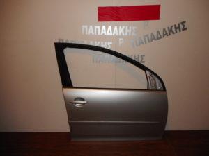 vw golf 5 2004 2008 porta empros dexia asimi 300x225 VW Golf 5 2004 2008 πόρτα εμπρός δεξιά ασημί
