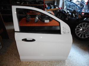 ford ka free style 2018 gt porta empros dexia aspri 300x225 Ford Ka+ Free Style 2018 > πόρτα εμπρός δεξιά άσπρη