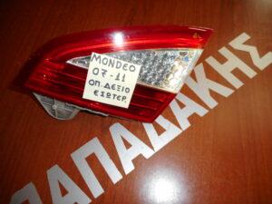ford mondeo 2007 2011 fanari piso dexio esoteriko 5thyro 300x225 Ford Mondeo 2007 2011 φανάρι πίσω δεξιό εσωτερικό 5θυρο