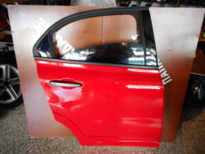 fiat 500x 2014 2020 piso dexia porta kokkini 300x225 Fiat 500X 2014 2020 πίσω δεξιά πόρτα κόκκινη