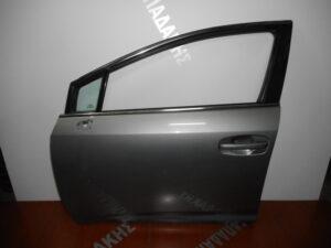toyota avensis 2009 2015 empros aristeri porta asimi skoyro 300x225 Toyota Avensis 2009 2015 εμπρός αριστερή πόρτα ασημί σκούρο