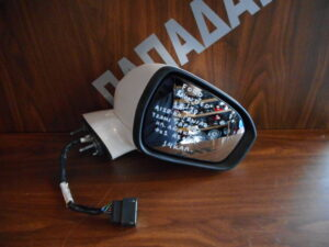 ford mondeo 2018 2020 ilektrikos anaklinomenos kathreptis dexios aspros 14 kalodia 300x225 Ford Mondeo 2018 2020 ηλεκτρικός ανακλινόμενος καθρέπτης δεξιός άσπρος 14 καλώδια
