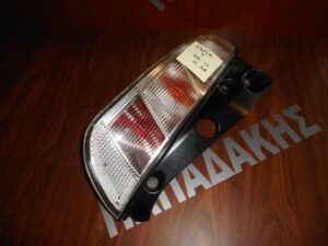 lancia y 2006 2011 piso fanari aristero 300x225 Lancia Y 2006 2011 πίσω φανάρι αριστερό